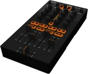 DJ-контроллер Behringer CMD MM-1